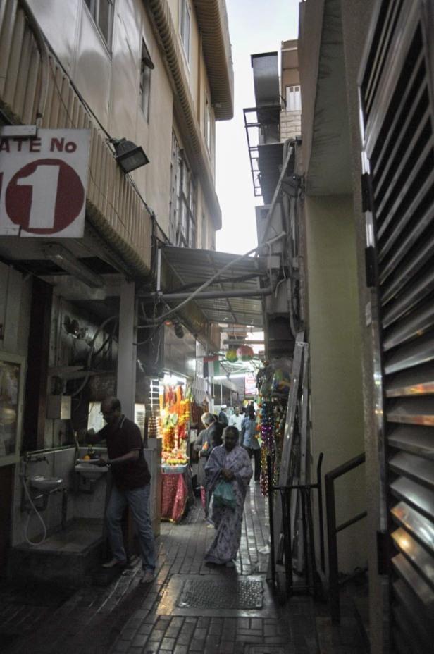 Dubai alley
